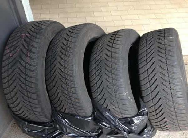 Gomme da neve Good Year 205/55 R16